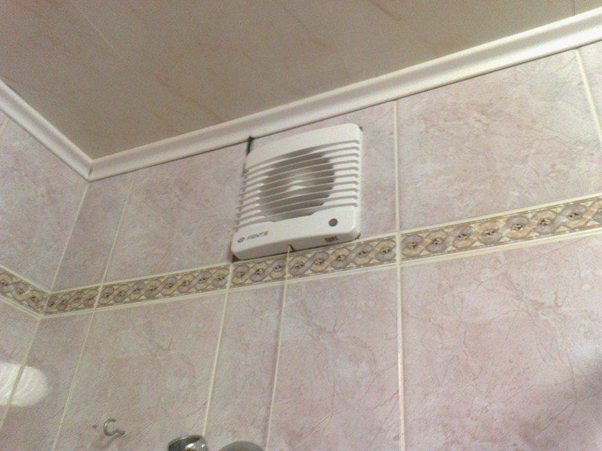 remont-ventilyatsii-v-vannoy-i-tualete-video