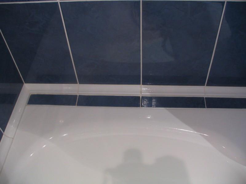 бордюр на ванну на плитку