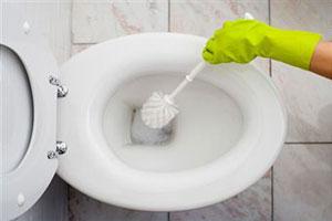чем лучше чистить ванну