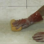 чем мыть кафель в ванной