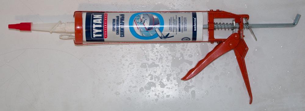 Санитарный силиконовый герметик в картридже