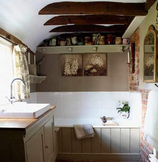 Дизайн потолков ванной в стиле прованс