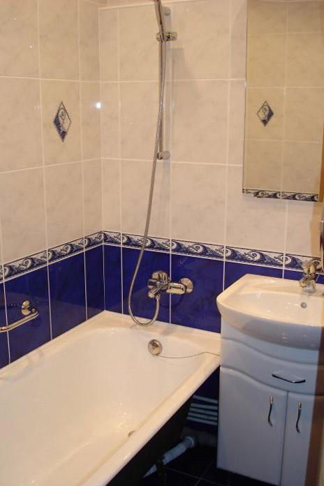 Типичная ошибка - большая плитка для маленькой ванны