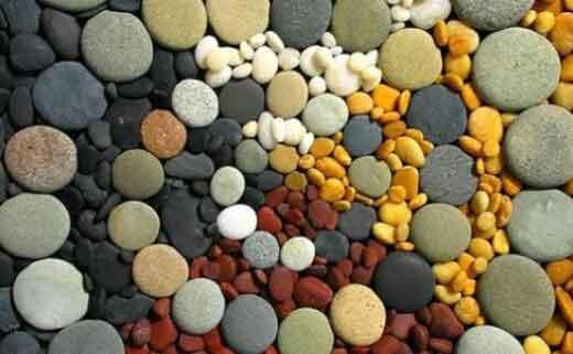 Коврик из морских камней