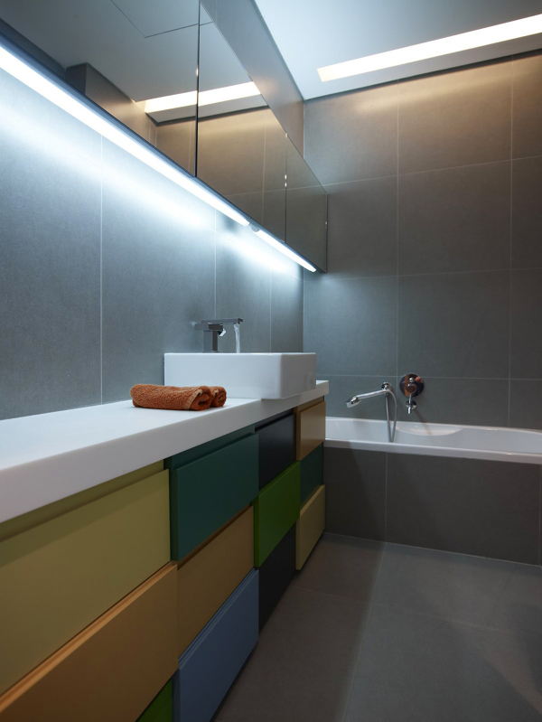 Оформление маленькой ванной комнаты в стиле модерн – простота форм и ничего лишнего