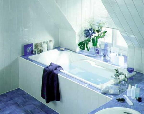 Ванная комната с отделкой стен пластиковыми панелями