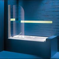 ванна со шторкой стеклянной