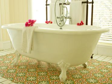 красивые ванны чугунные
