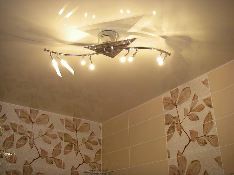 Люстры для ванной комнаты