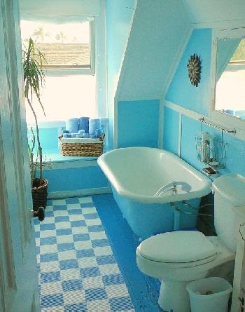 Монохромный интерьер ванной комнаты