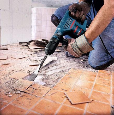 В ходе подготовительных работ надо будет снять все старые облицовочные покрытия