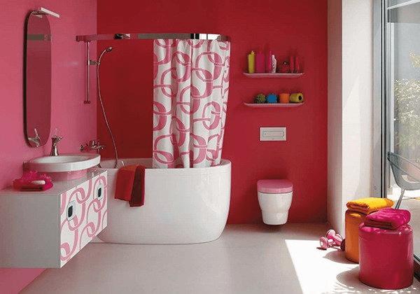 Современная мебель для ванной образует один ансамбль с оборудованием и отделкой