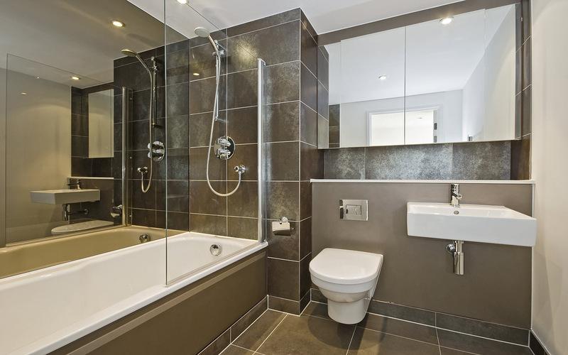 Ванная комната, отделанная стеновыми панелями