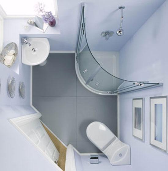 Угловая сантехника в маленькой ванной
