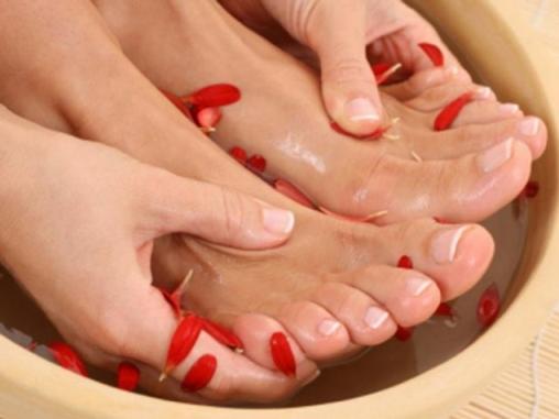 Ножные ванны с морской солью – усталости как небывало.