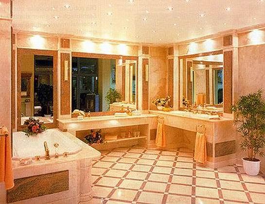 Планировка большой ванной