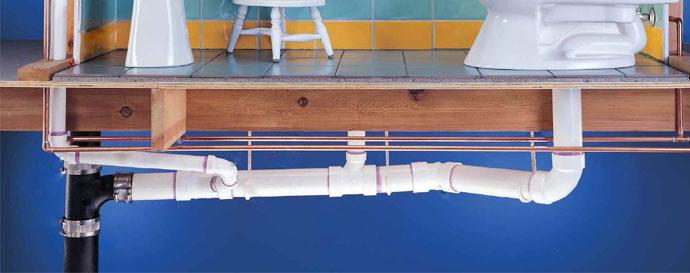 Монтаж канализации в деревянном доме на втором этаже на эластичных подвесах