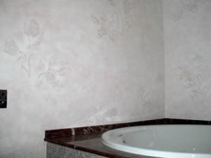 Пример декоративной штукатурки в ванной