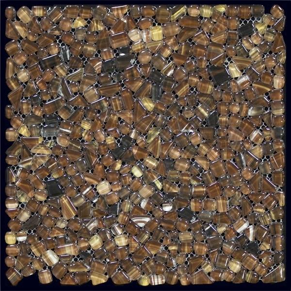 Стеклянная мозаика – кафель в виде перламутровых камешков.