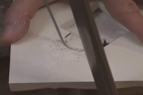 Выпиливание в плитке отверстий сложной формы