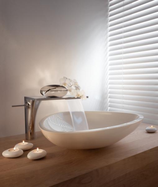 Современные дизайнерские инновации успешно прогрессируют, радуя игрой воды и света.
