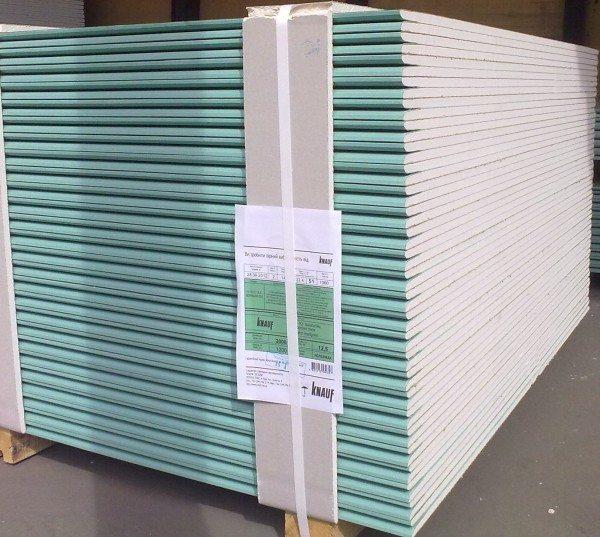 Гипсокартон влагостойкий Кнауф, толщина - 12,5 мм.