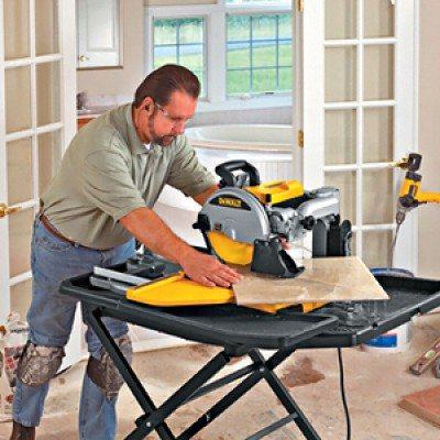 Как обрезать кафельную плитку при помощи электрического плиткореза