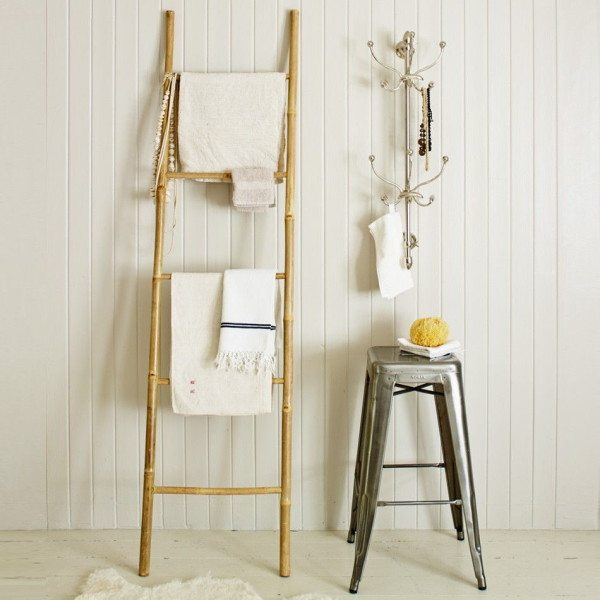 Лестницы из дерева или бамбука часто используются в скандинавском стиле