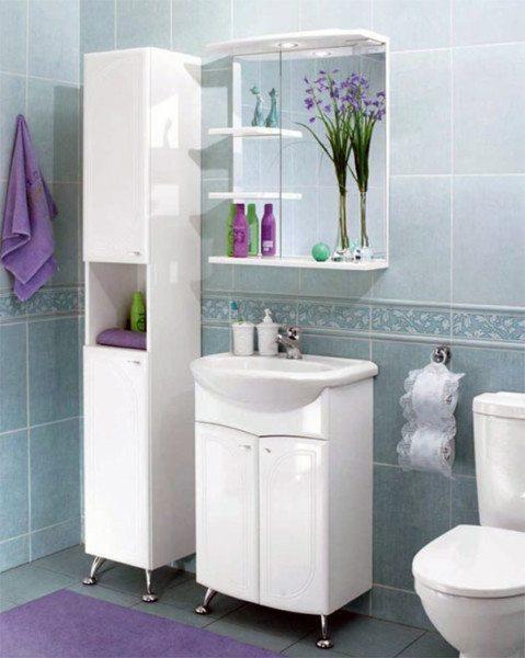 Мебель для ванной должна быть не только компактной, но и влагостойкой