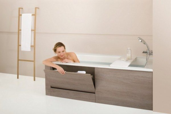 Место под ванной можно использовать по максимуму