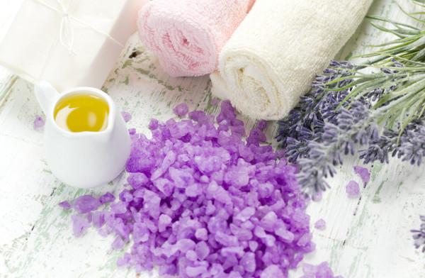 Морская соль для ванн способна взбодрить и успокоить