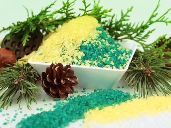 Определив, чем полезна ванна с морской солью, можно переходить и к ее декоративным свойствам