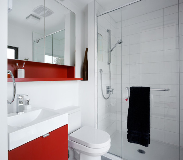 Ошибочно мнение, что интерьер ванной комнаты в небольшой квартире не может иметь своего стиля и дизайнерской концепции