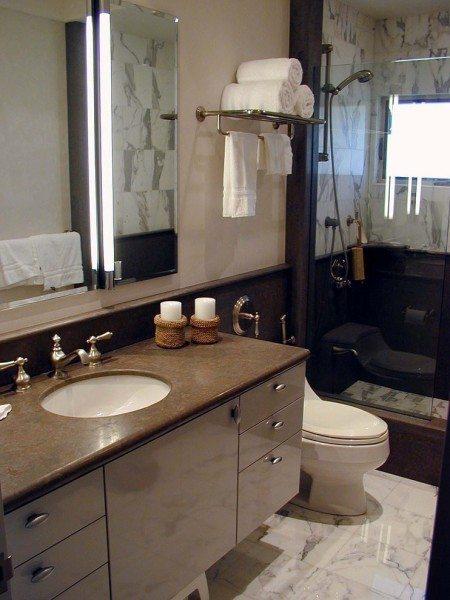 Правильно подобранная вешалка для ванной комнаты не только идеально вписывается в интерьер, но и удобна в использовании