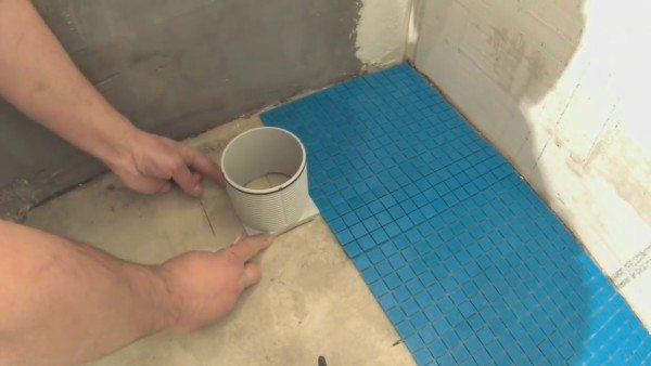 Примерка стакана канализационного трапа