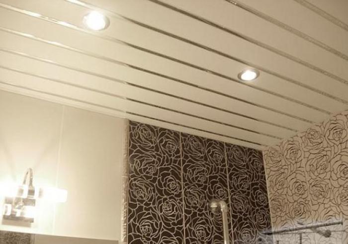 Установка реечного потолка в ванной своими руками фото 208