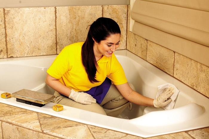 Мыть – только специальными составами!